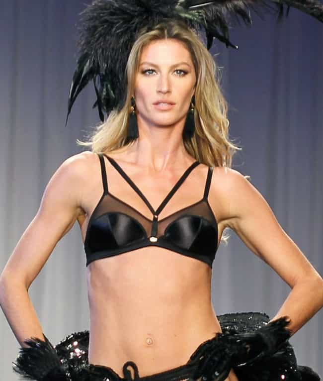 Gisele Bündchen is listed (or ranked) 6 on the list The 15 Weirdest Looking Celebrity Bellybuttons