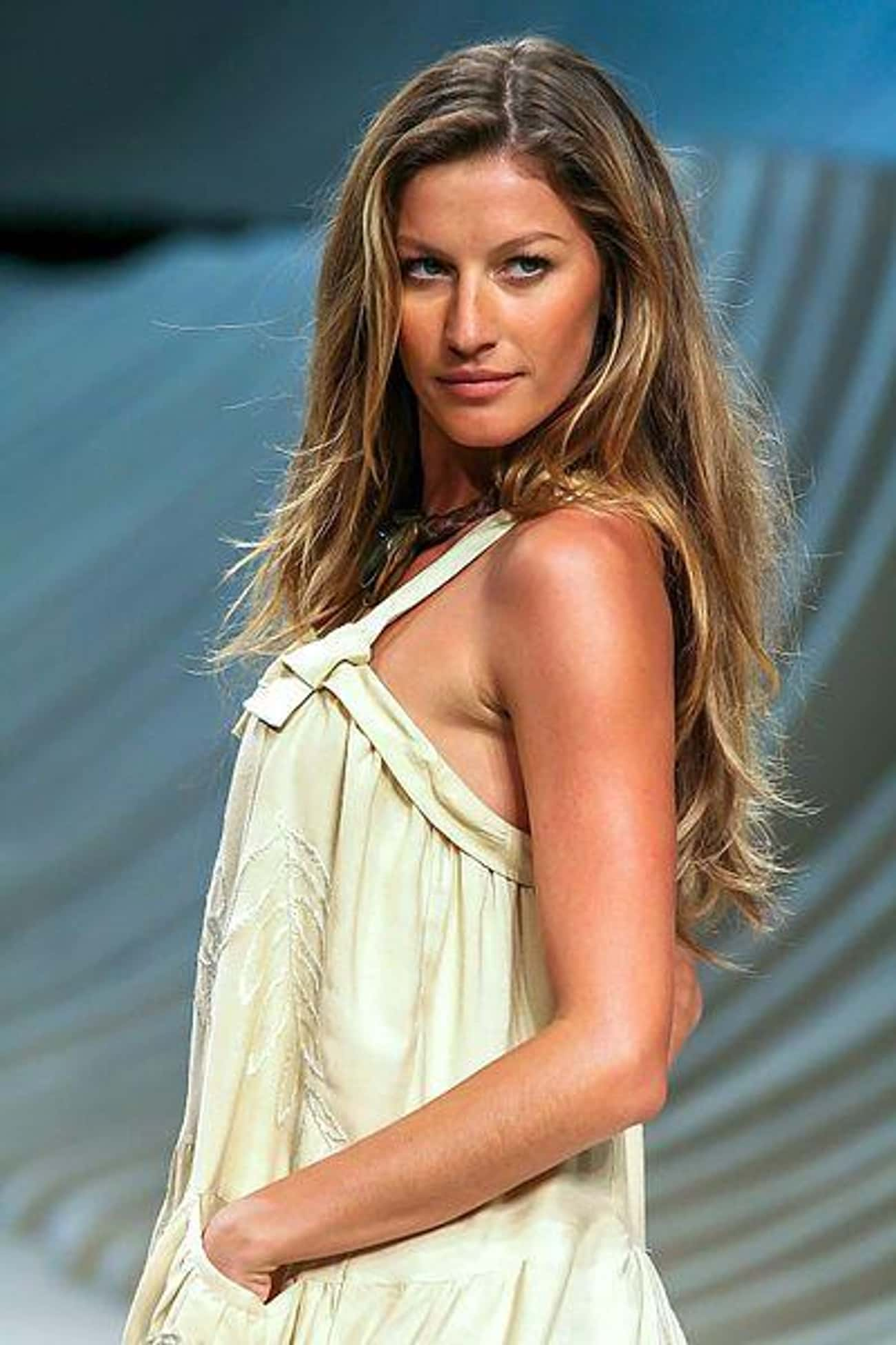 Gisele Bündchen is listed (or ranked) 4 on the list Famous High School Dropouts