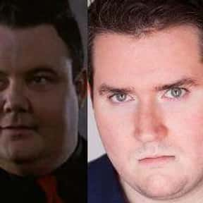 Glenn Shadix is listed (or ranked) 17 on the list Famous People Named Glen or Glenn