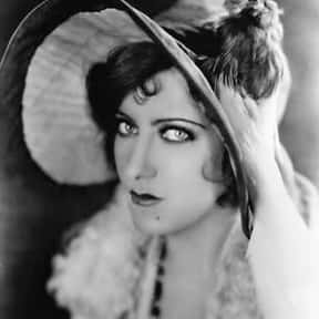 Gloria Swanson is listed (or ranked) 19 on the list The Worst Oscar Snubs of All Time