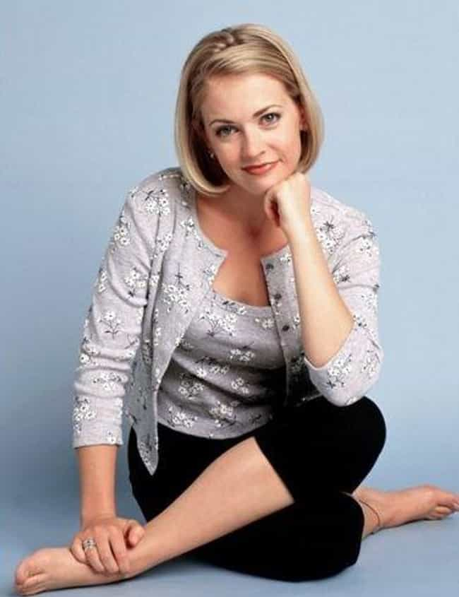 Sabrina Spellman is listed (or ranked) 2 on the list Which '90s Sitcom Character Has The Best Signature Look?