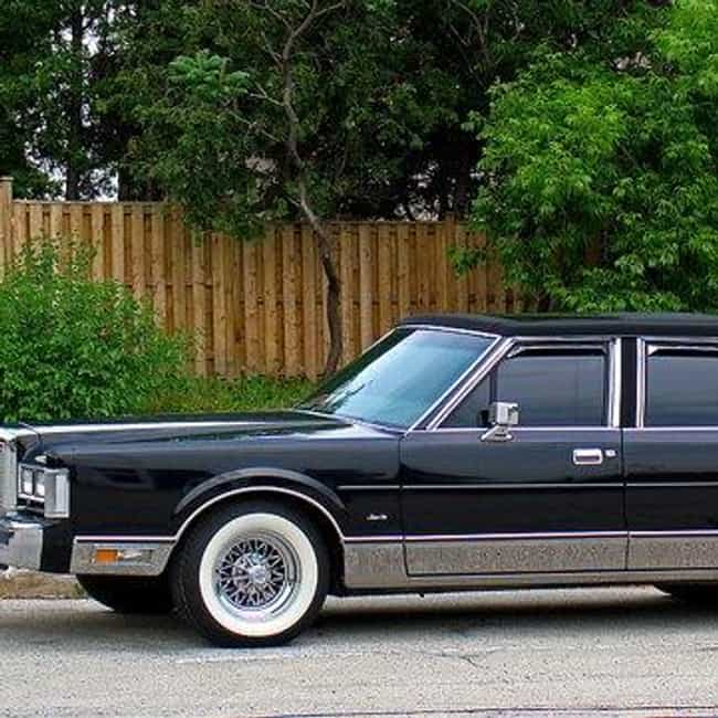 All Lincoln Town Car Cars List Of Popular Lincoln Town Cars With