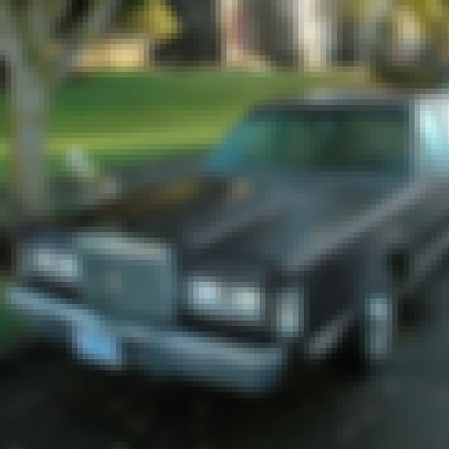 1988 Lincoln Town Car is listed (or ranked) 4 on the list List of Popular Lincoln Town Cars