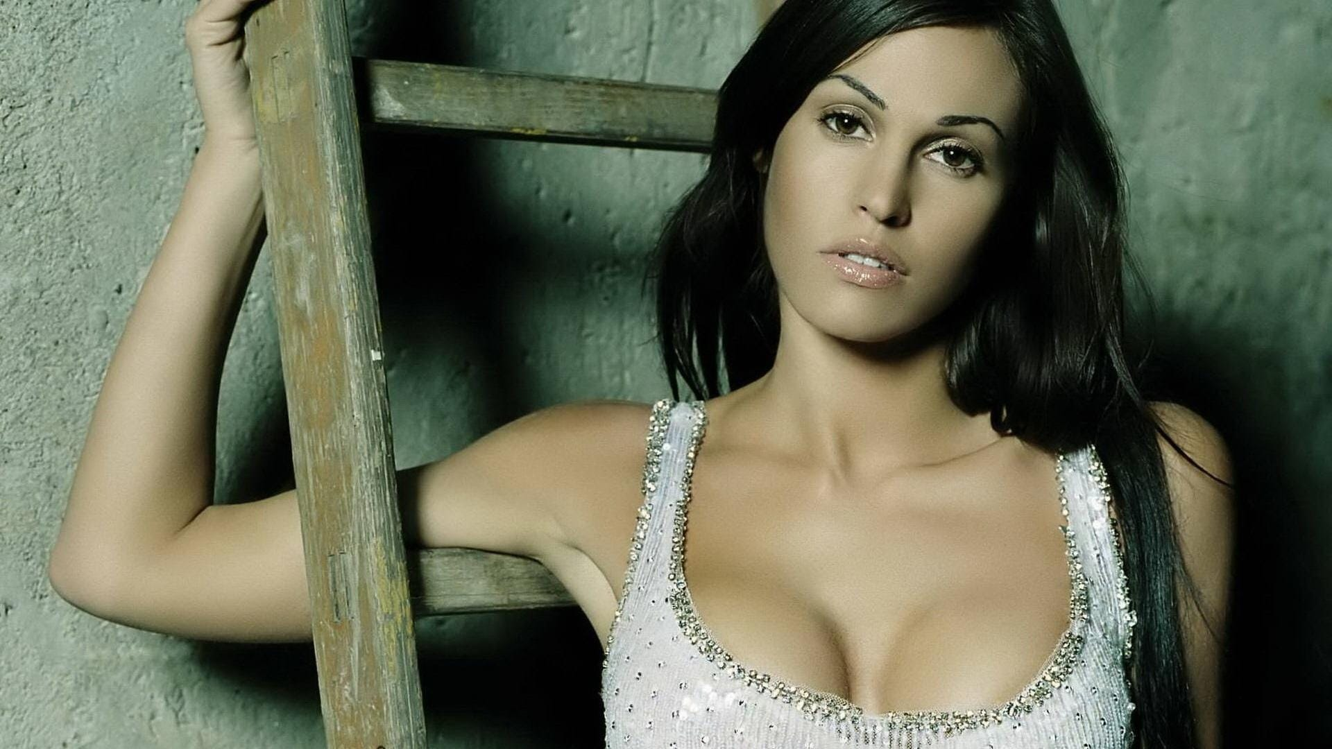 europeian-hottest-italian-babes-dating