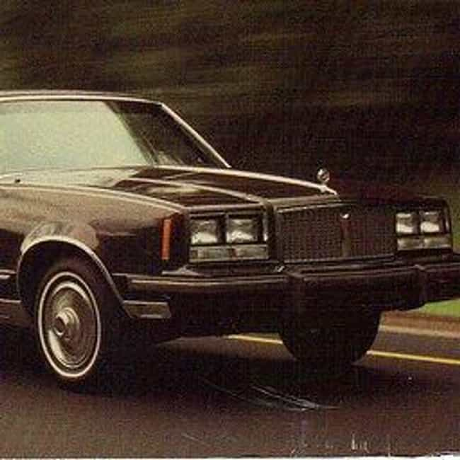 1985 Pontiac Bonneville ... is listed (or ranked) 3 on the list List of Popular Pontiac Sedans