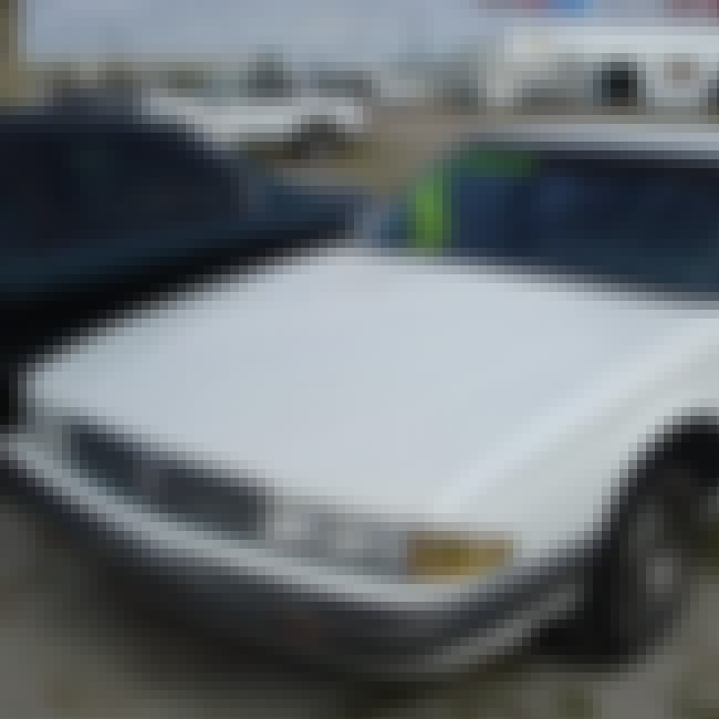 1988 Pontiac Bonneville is listed (or ranked) 4 on the list List of 1988 Pontiacs