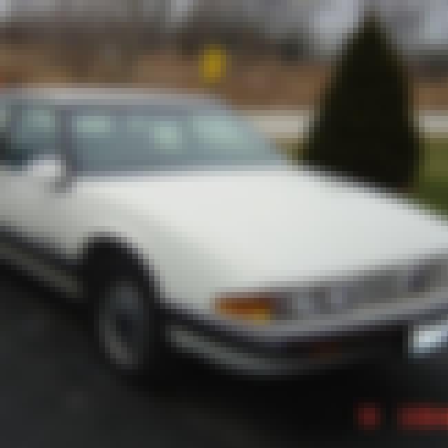 1991 Pontiac Bonneville is listed (or ranked) 3 on the list List of 1991 Pontiacs
