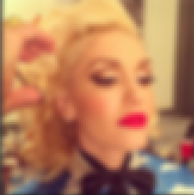 Gwen Stefani is listed (or ranked) 4 on the list '90s Celebrities You Should Be Following on Instagram