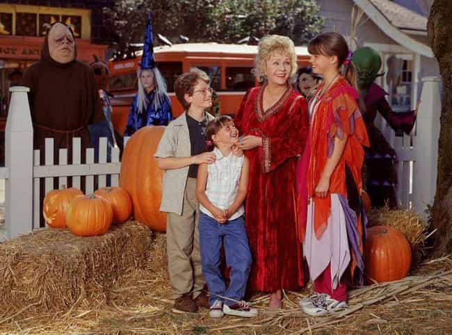 Halloweentown is listed (or ranked) 3 on the list The Best '90s Halloween Specials