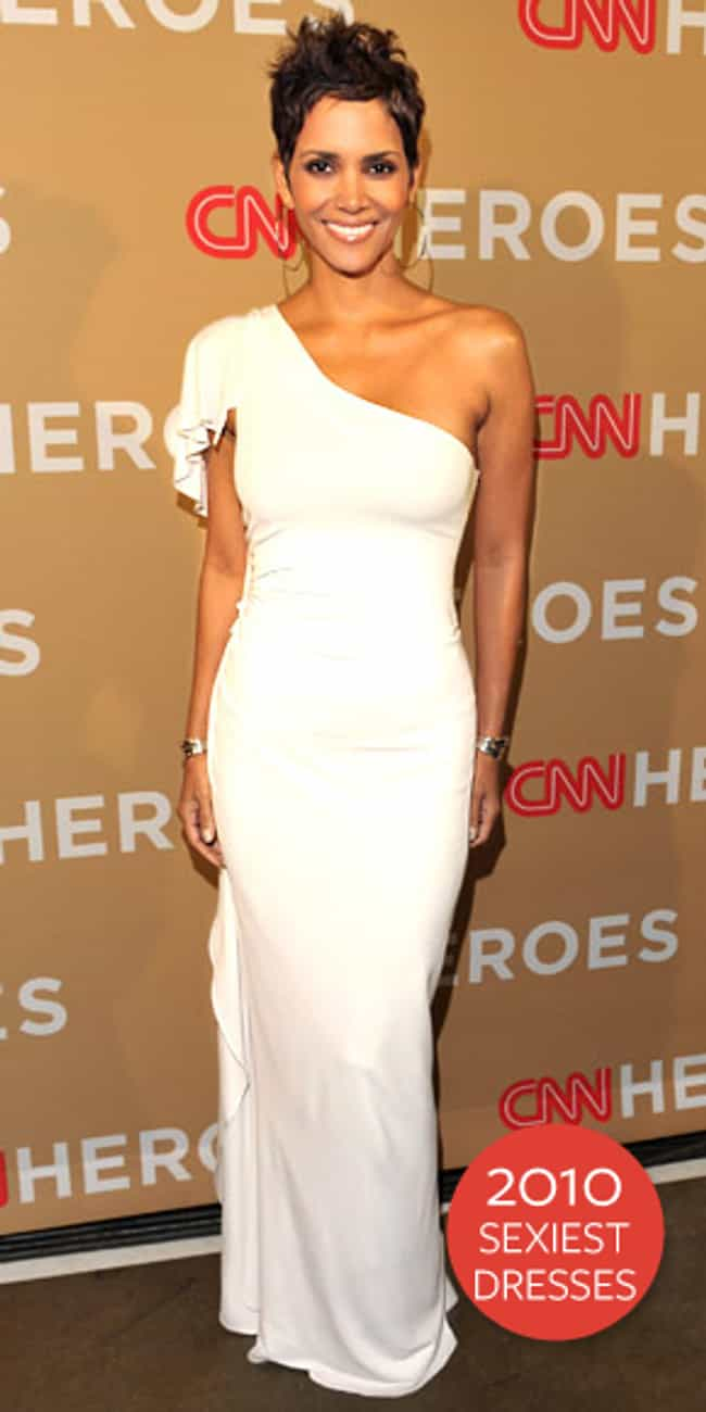 Halle Berry is listed (or ranked) 3 on the list Alberta Ferretti Dressed on Celebrities