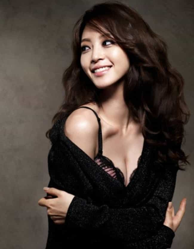 Han Ye-seul is listed (or ranked) 4 on the list The Hottest South Korean Women of All Time