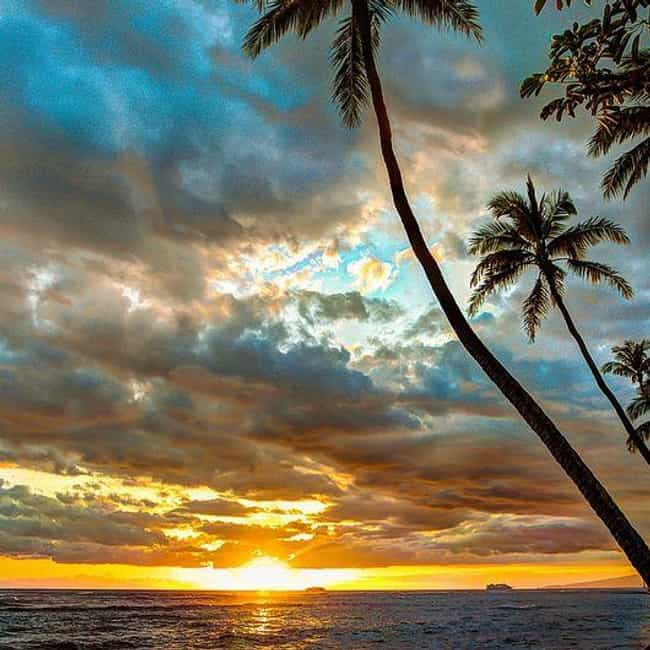 Hawaii is listed (or ranked) 4 on the list The Best State Nicknames