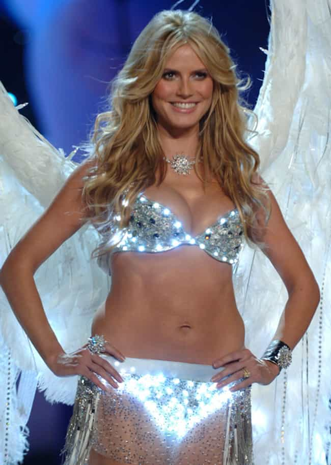 Heidi Klum is listed (or ranked) 7 on the list The 15 Weirdest Looking Celebrity Bellybuttons
