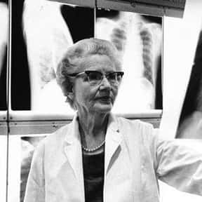 Helen B. Taussig is listed (or ranked) 19 on the list Famous Harvard Medical School Alumni