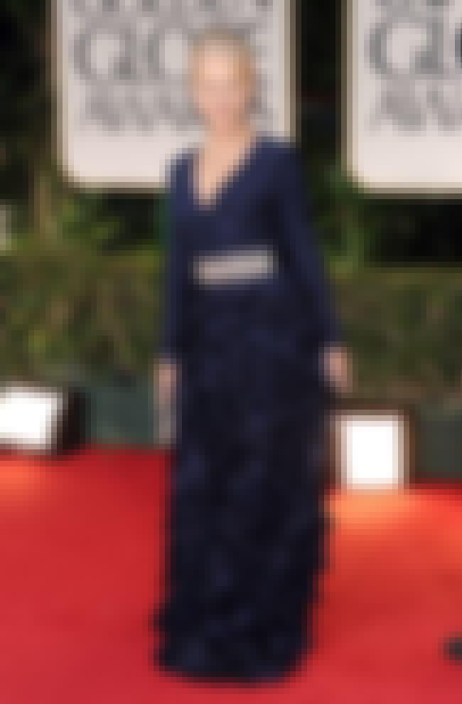 Helen Mirren is listed (or ranked) 4 on the list The Best Golden Globes 2012 Red Carpet Fashions