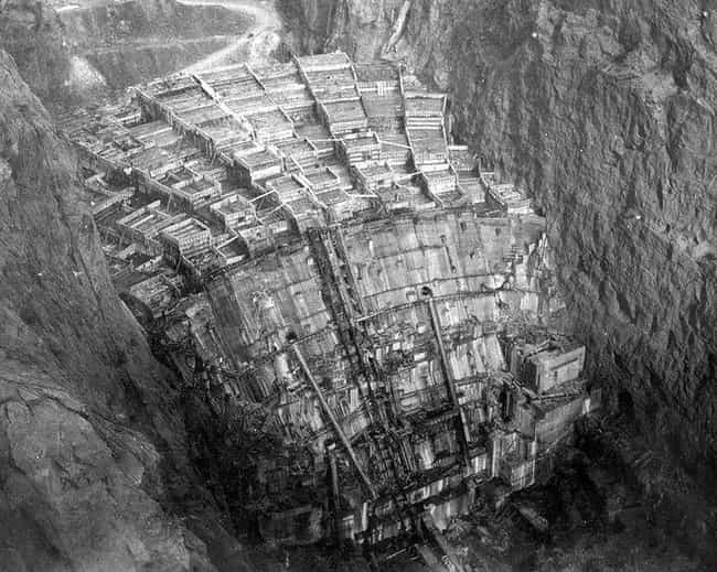 Hoover Dam is listed (or ranked) 2 on the list 18 Fascinating Photos of Historical Landmarks Under Construction