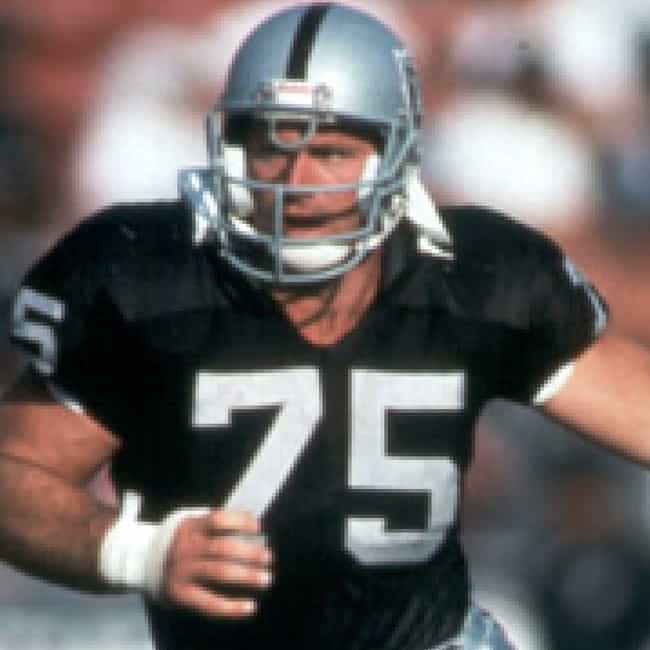 Howie Long is listed (or ranked) 2 on the list Every Raiders Player In The Football Hall Of Fame