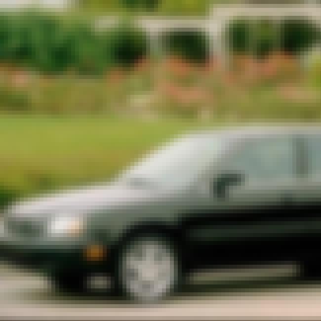 2000 Suzuki Esteem Sedan is listed (or ranked) 1 on the list List of 2000 Suzukis