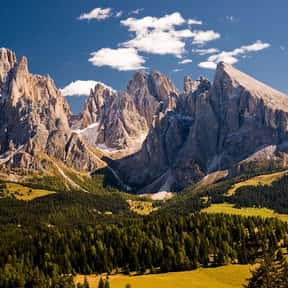 Italy is listed (or ranked) 23 on the list The Best Countries for Mountain Climbing