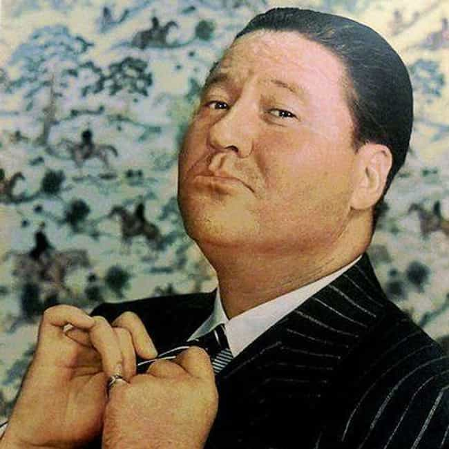 Jack Oakie is listed (or ranked) 6 on the list Famous People Who Died of Aortic Aneurysm