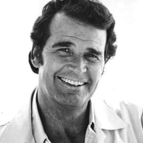 James Garner is listed (or ranked) 10 on the list Golden Apple Most Cooperative Actor