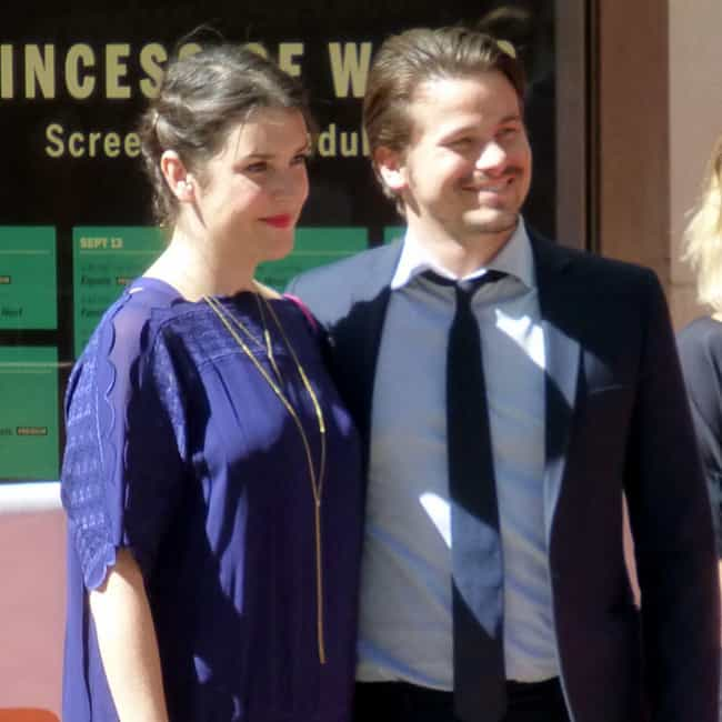 Jason Ritter is listed (or ranked) 1 on the list Melanie Lynskey Loves and Hookups