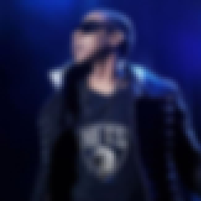 Jay-Z is listed (or ranked) 4 on the list Celebrity Nets Fans