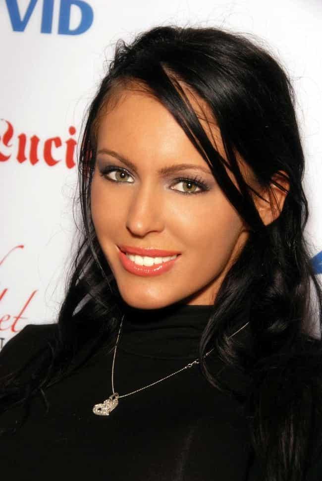stars Brunette female porn