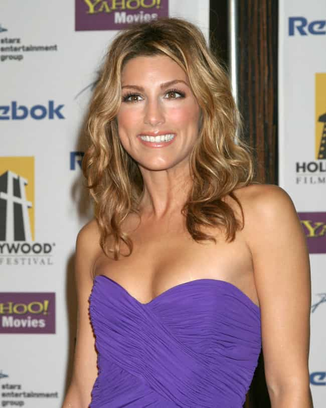 Jennifer Esposito is listed (or ranked) 3 on the list Women Who Benjamin Bratt Has Dated