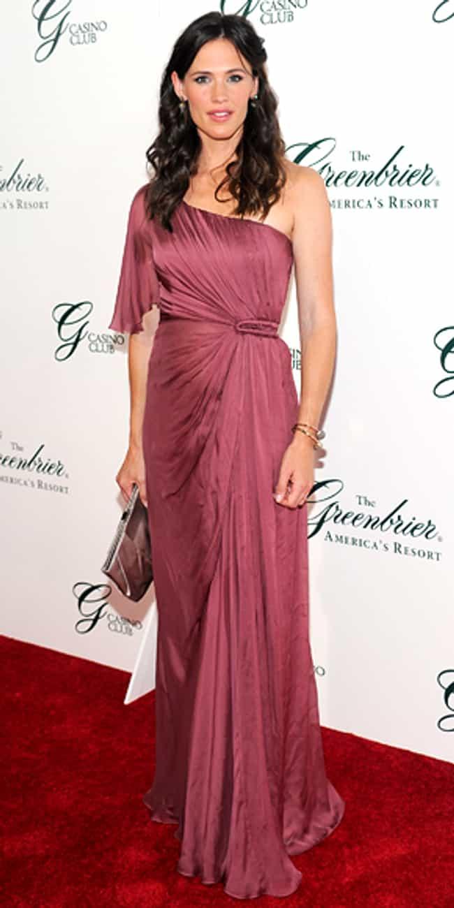 Jennifer Garner is listed (or ranked) 2 on the list Alberta Ferretti Dressed on Celebrities