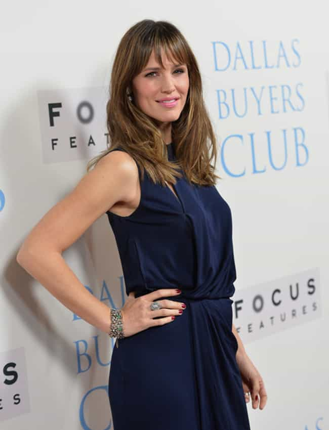 Jennifer Garner is listed (or ranked) 4 on the list Female Celebs With The Best Arms