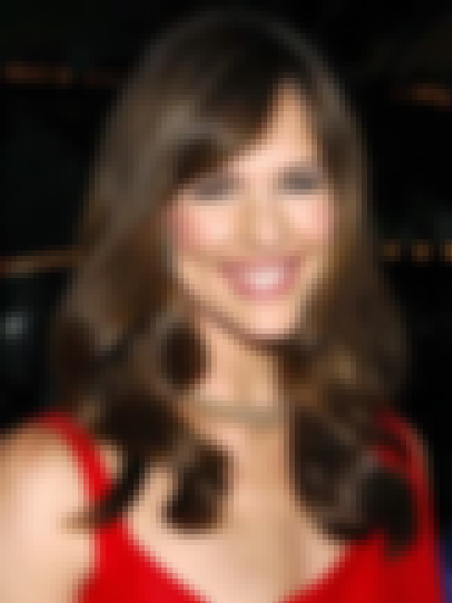 Jennifer Garner is listed (or ranked) 3 on the list Famous People who Majored in Drama