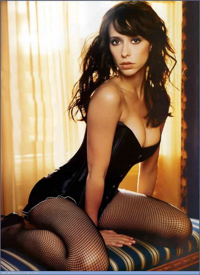 """Jennifer Love Hewitt is listed (or ranked) 4 on the list Reranking of """"Hottest Short Girls in Entertainment"""""""