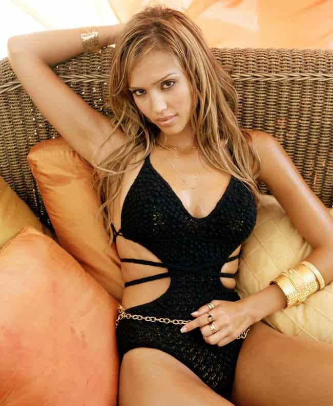 Jessica Alba is listed (or ranked) 4 on the list The Hottest Moms In Hollywood