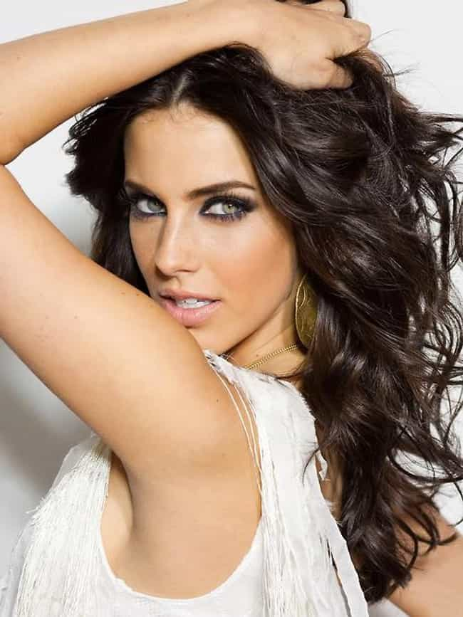 Jessica Lowndes is listed (or ranked) 3 on the list Beautiful Celebrity Women with Lovely Green Eyes