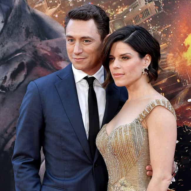 JJ Feild is listed (or ranked) 1 on the list Neve Campbell Loves and Hookups
