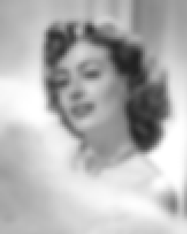 Joan Crawford is listed (or ranked) 4 on the list Famous People Buried in Ferncliff Cemetery