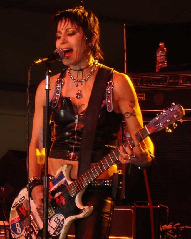 Joan Jett is listed (or ranked) 7 on the list Carmen Electra's Loves & Hookups