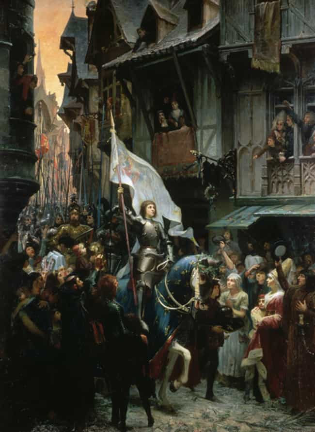 Joan of Arc is listed (or ranked) 1 on the list 12 Times Women Disguised As Men Made History