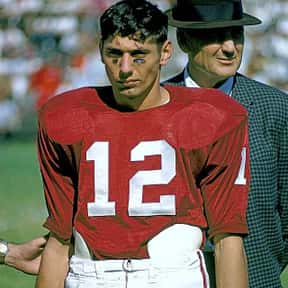 Joe Namath is listed (or ranked) 6 on the list The Best Alabama Crimson Tide Football Players of All Time