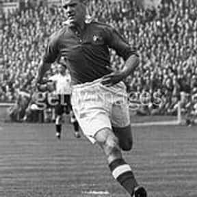 Johnny Carey is listed (or ranked) 10 on the list The Best Soccer Players from Ireland