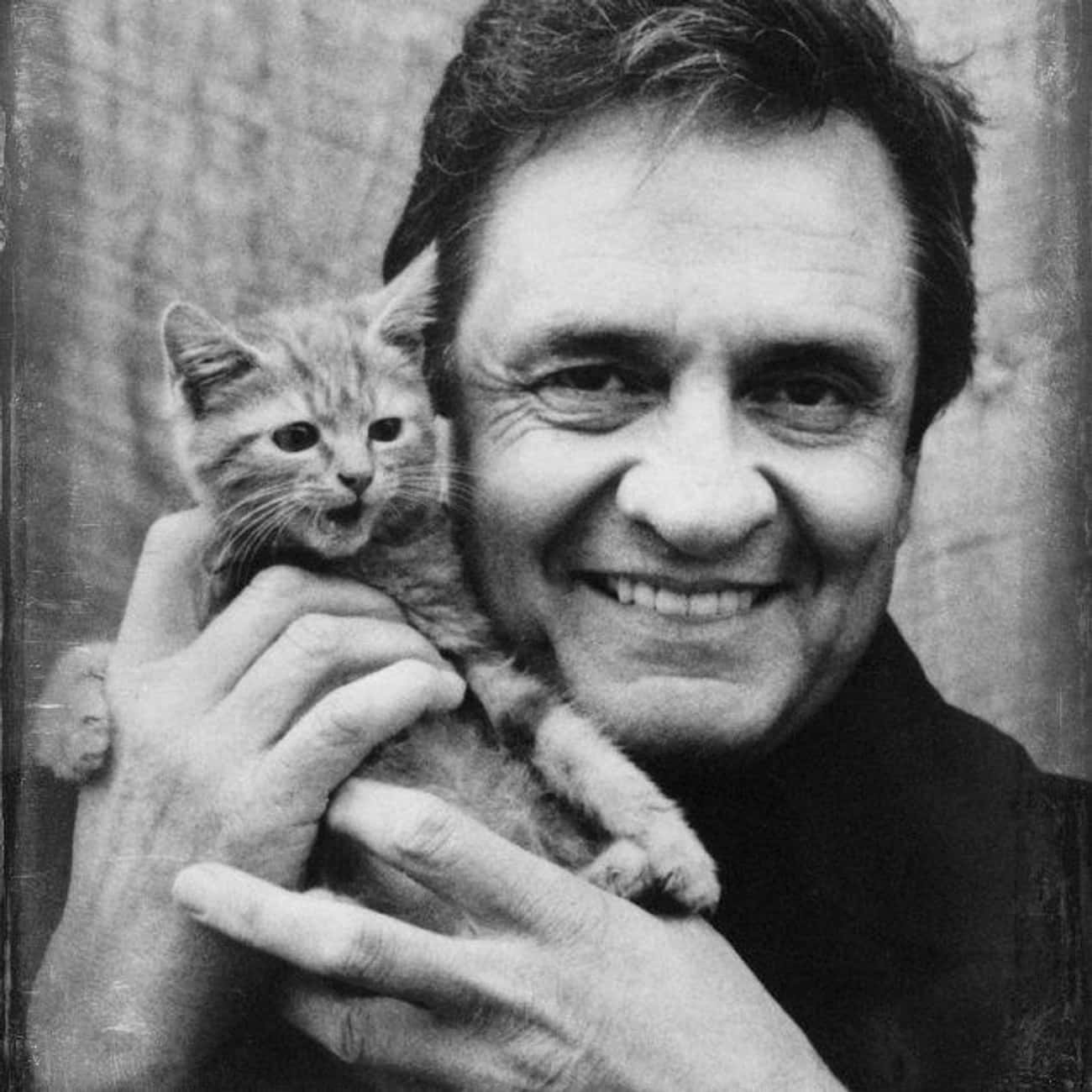 Johnny Cash is listed (or ranked) 2 on the list Country Singers Who Were in the Military