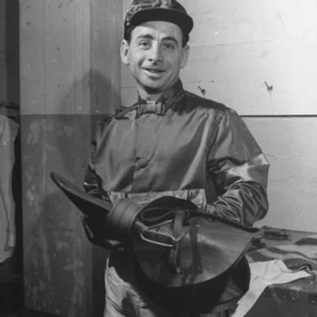 Johnny Longden is listed (or ranked) 1 on the list Famous Male Jockeys