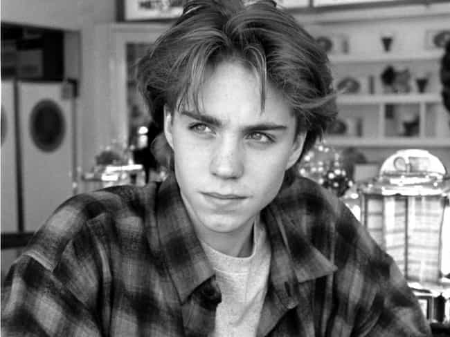 Jonathan Brandis is listed (or ranked) 3 on the list Vinessa Shaw Loves and Hookups