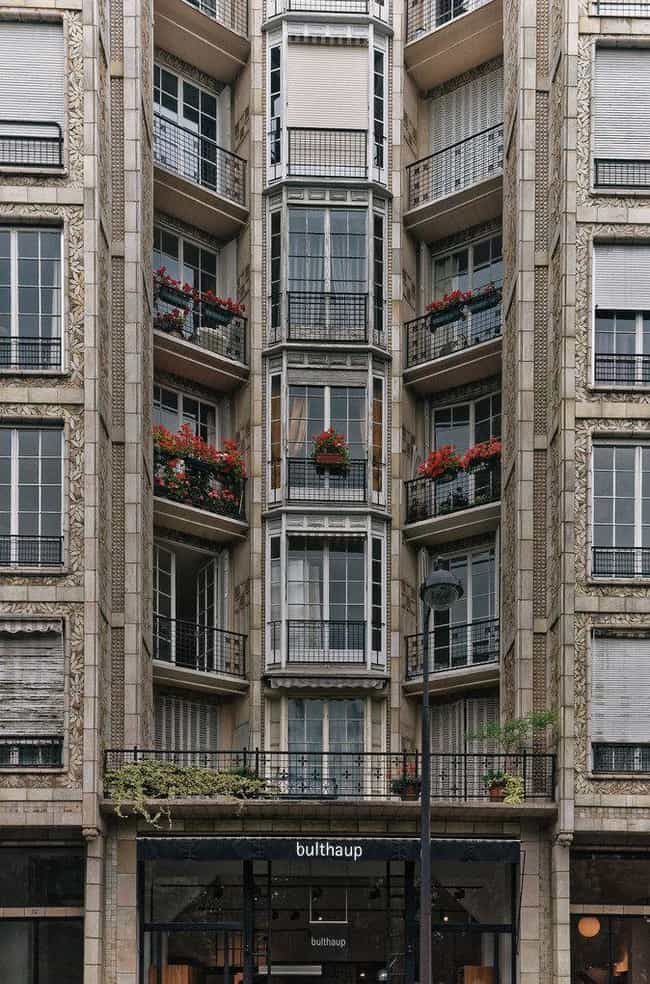 25 Rue Franklin is listed (or ranked) 1 on the list List of Famous Paris Buildings & Structures
