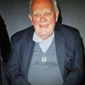 Joss Ackland is listed (or ranked) 4 on the list Full Cast of Nowhere To Run Actors/Actresses