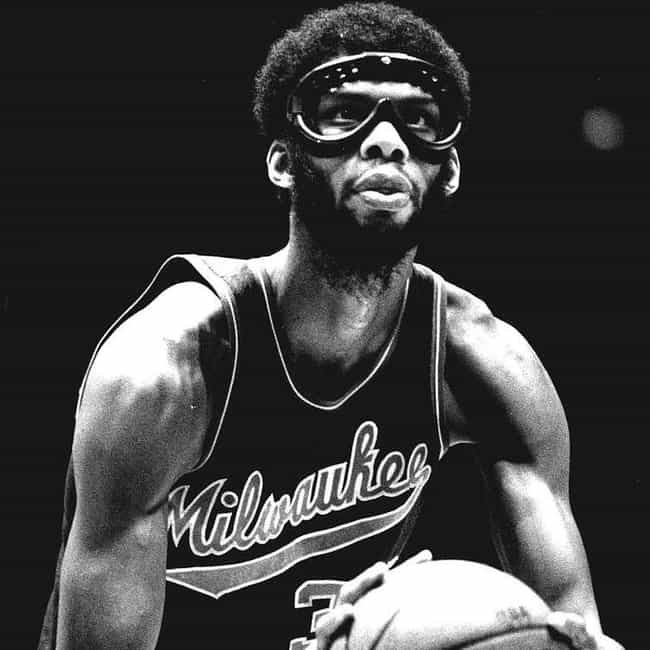 Kareem Abdul-Jabbar is listed (or ranked) 2 on the list The Best Athletes Who Wore #33