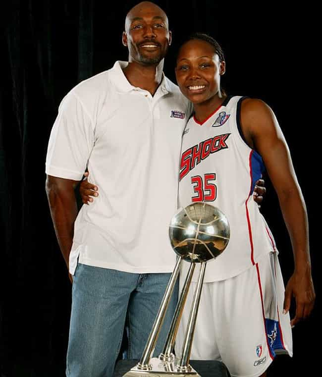 Karl Malone is listed (or ranked) 4 on the list 30 Famous Celebrity Deadbeat Dads