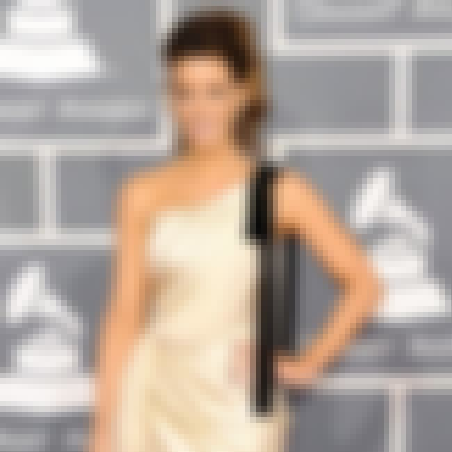 Kate Beckinsale is listed (or ranked) 3 on the list The Best Grammy Red Carpet Fashions 2012