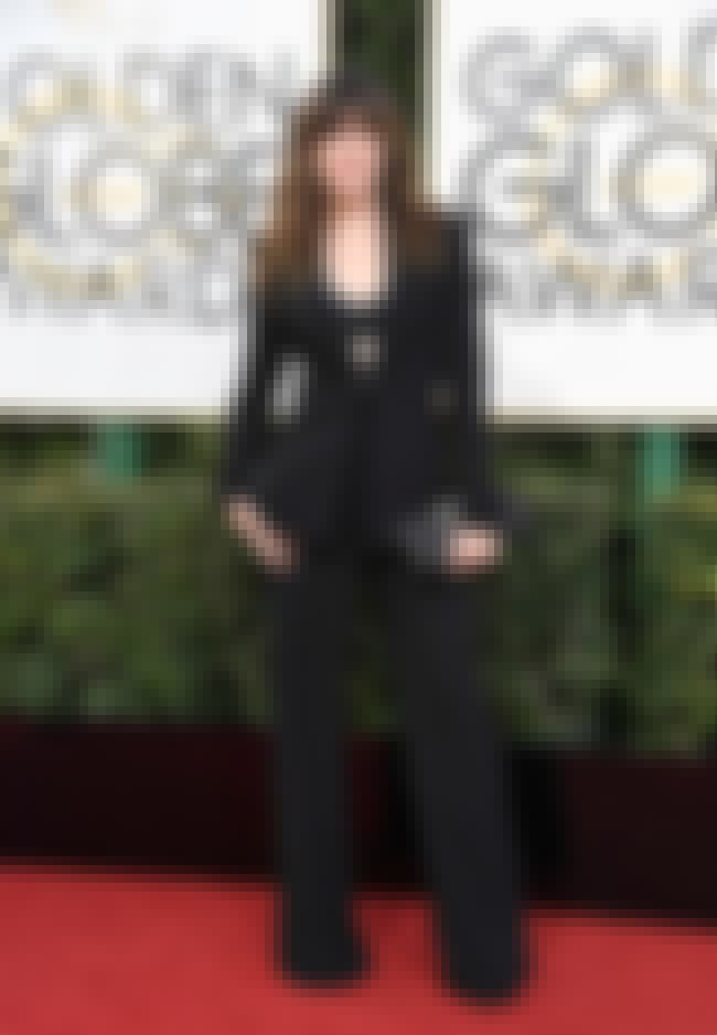 Kathryn Hahn is listed (or ranked) 4 on the list The Worst Fashion at the 2017 Golden Globes